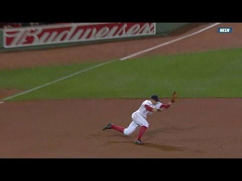 TB@BOS: Cecchini snags Myers' sharp liner