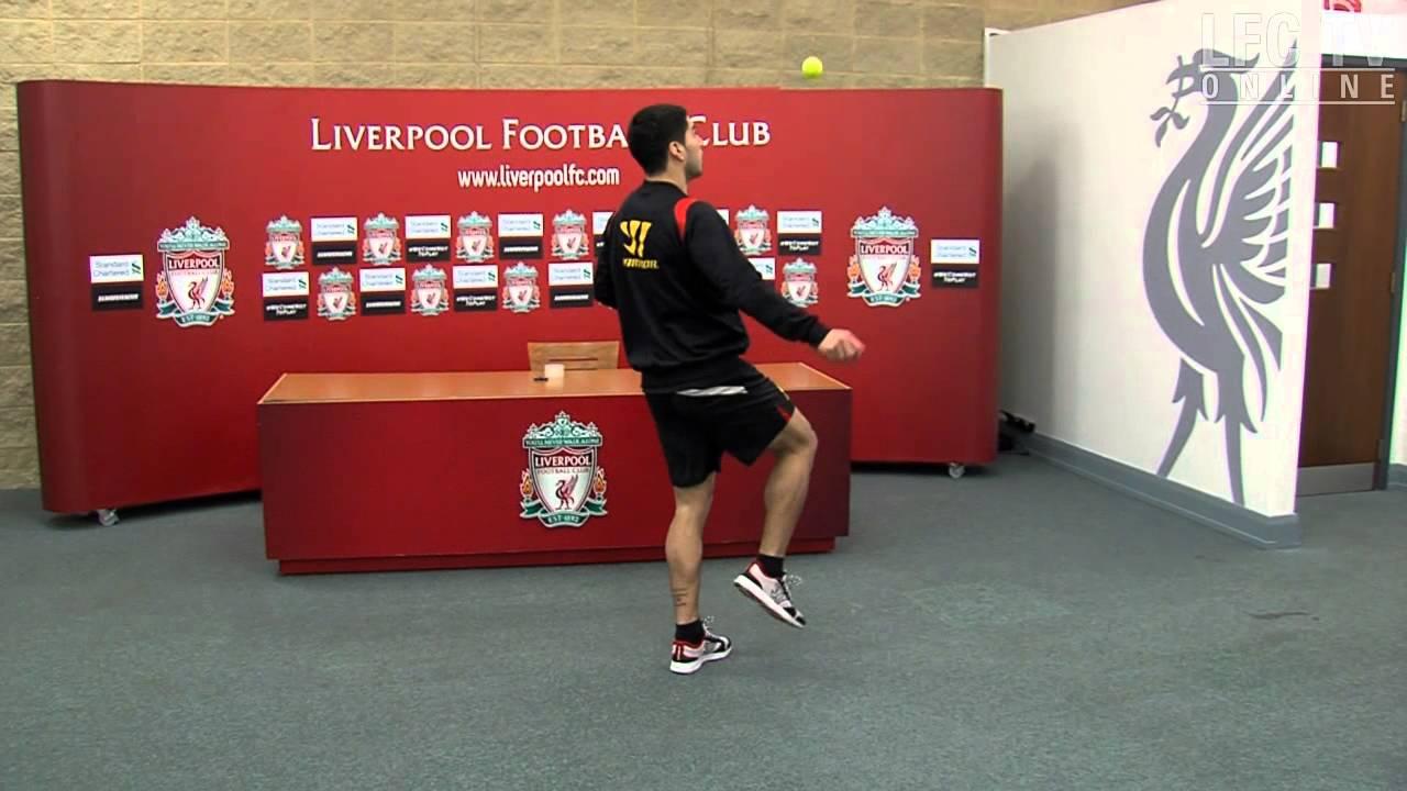Suarez takes Keepy Uppy Challenge