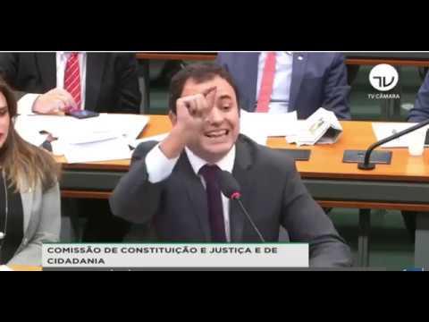 """""""Um Juiz Ladrão"""", Diz Deputado Psolista Sobre Moro; Briga Na CCJ"""