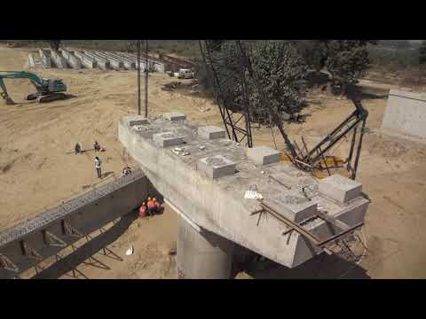 WATCH 85 TONS GARDER LIFTED BY TWO HEAVY CRANES