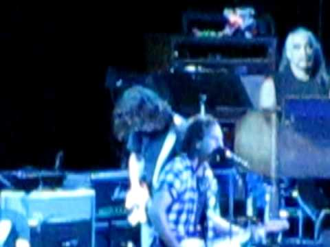 """Pearl Jam- """"Wishlist"""" Live at Verizon Wireless Music Center in Indianapolis, IN"""