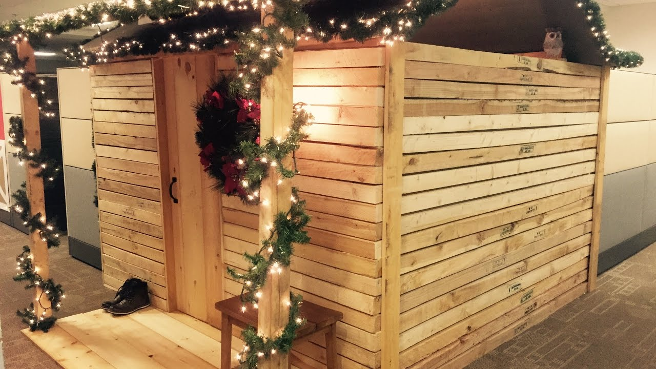 log cabin christmas cubicle