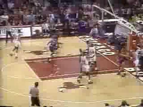 Bulls vs Knicks 1992 - Game 1 - Michael Jordan 31 points