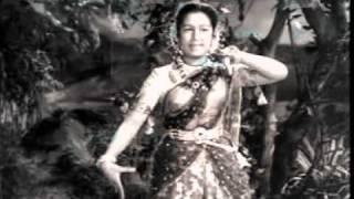 Toofan Aur Deeya (1956) - Muraliya Baje Ri Jamunake Tir Murali Sunat Mero Man - Lata Mangeshkar.mp4