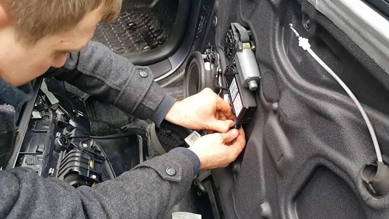 Как снять  дверную обшивку на Audi A4 B6