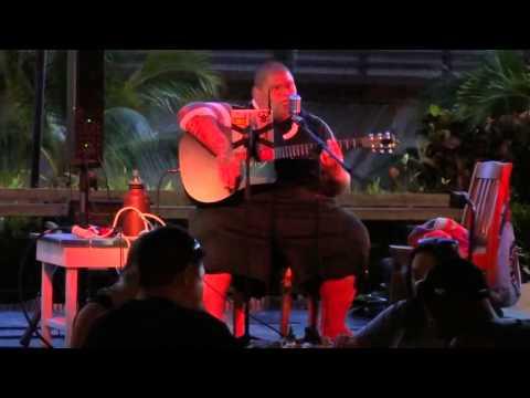 Shawn Garnett nephew of Kamekona from Hawaii 5.0 performing Holiday Inn Miquelli's Amerikablog