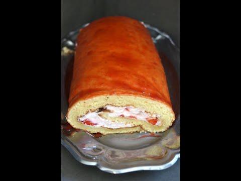 biscuit-roulé-aux-fraises-et-chantilly,-un-régal-!