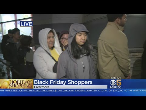 BLACK FRIDAY: Shoppers brave early morning rains to flock to Bay Area stores searching for Black Fri