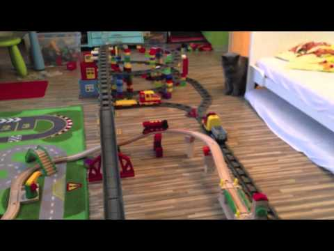 duplo eisenbahn brio eisenbahn und katze youtube. Black Bedroom Furniture Sets. Home Design Ideas