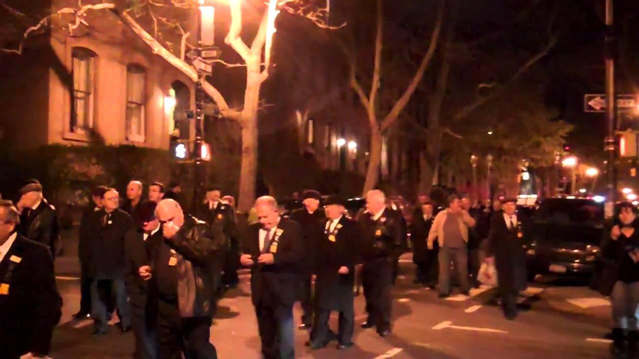 Carroll Gardens, Brooklyn: 2011 Good Friday Procession - YouTube