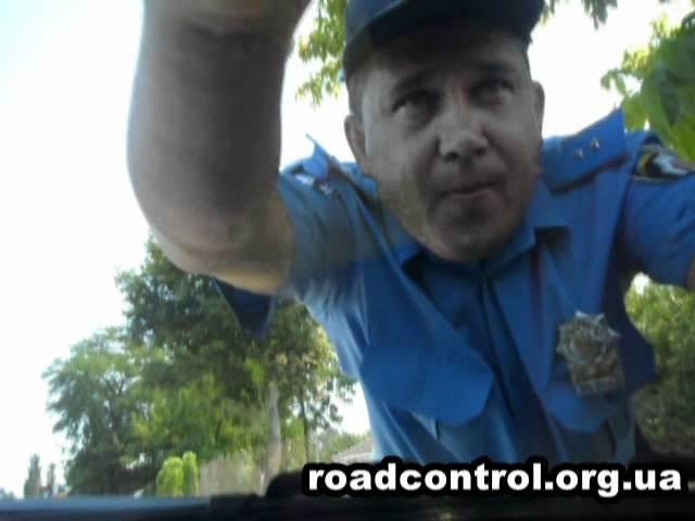 ГАИ Херсона ломает автомобиль журналиста ДК