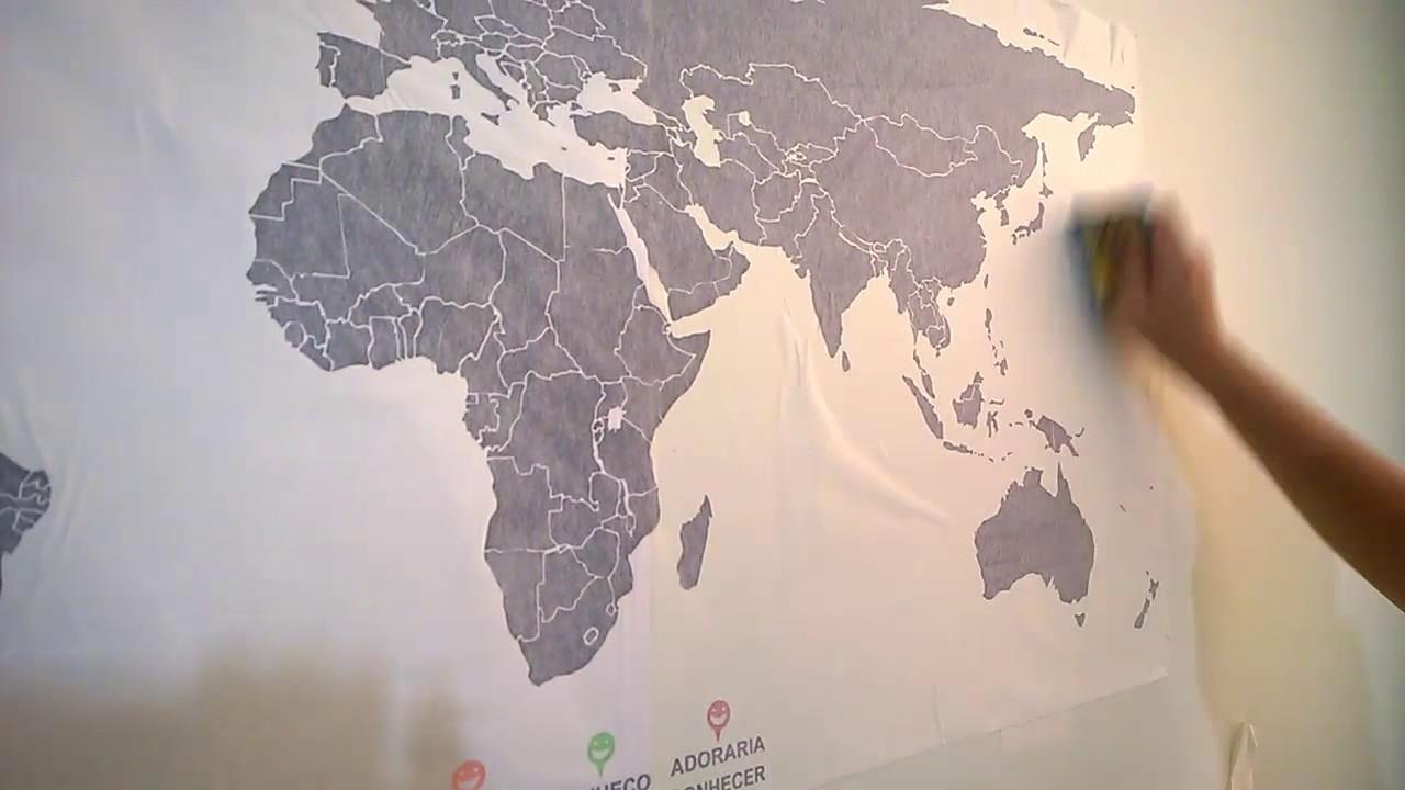 como colar adesivo de parede mapa mundi  YouTube