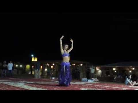 Belly Dance in Dubai' Desert