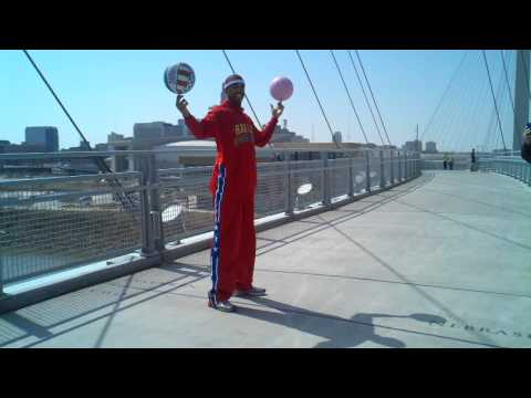"Harlem Globetrotter ""Hammer"" at Nebraska/Iowa state border"