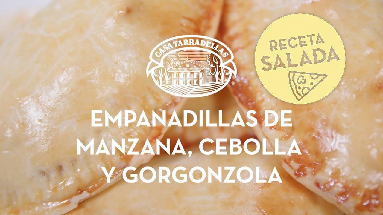 Empanadas de manzana, cebolla caramelizada y gorgonzola