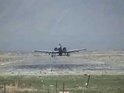 A-10A Thunderbolt II low pass!!!