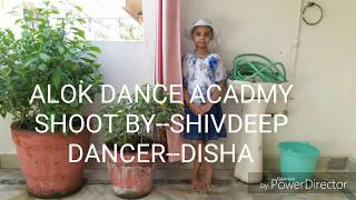 Student of the year 2   SONG--HOOK UP small girl dance