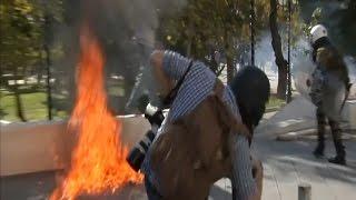 «Коктейлі Молотова» та сльозогінний газ у центрі Афін