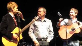 Video Waiting On Sunday - Glen Campbell's band - Glasgow 2010 download MP3, 3GP, MP4, WEBM, AVI, FLV Mei 2018