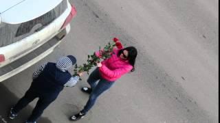 Дарите девушкам цветы :-)(Парень конечно красавчик - на намытом 200м кукурузере белого цвета в обвесе подъехал, потом приехала барышня..., 2016-03-16T16:13:24.000Z)