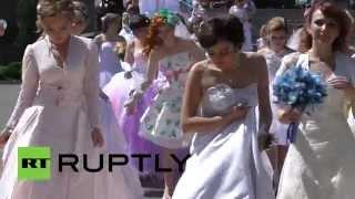 В Донецке прошел парад невест