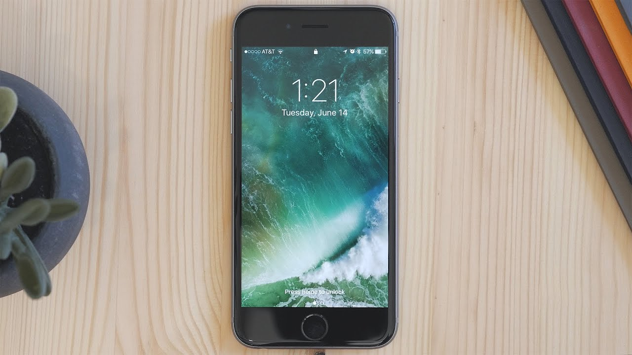 iphone screen locked up ios 10 s overhauled lock screen 15428