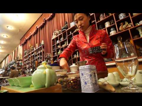 Tea ceremony at Qing Shan Ju Tea House