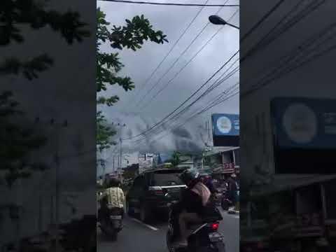 FLAT EARTH - HAARP Before Flood In Palangkaraya (Indonesia) thumbnail