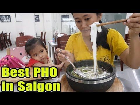 Street Food Vietnam Best PHO in Saigon ( Vietnamese Beef Noodle Soup )