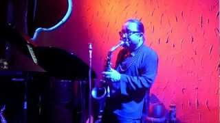 Tran Manh Tuan plays Gui Gio Cho May Ngan Bay at Saxnart Jazz Club