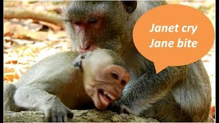 today mom Jane feel not good | Jane bite Janet so hard cos angry Janet still not steal milk