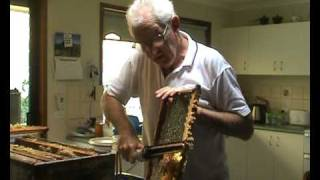 BEEKEEPING: EXTRACTING HONEY BY HAND, ALL NATURAL.