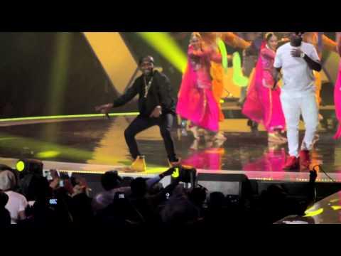 #MTVMAMA2015 - Davido  performs The Sound with Uhuru