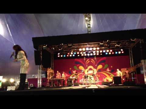 amanda choes tong-tong fair 2013