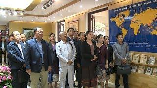 Đoàn cán bộ báo chí nước CHDCND Lào thăm và làm việc tại Báo Nhân Dân