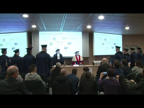 Il neolaureato - Laurea Honoris Causa a Claudio Descalzi   Eni Video Channel