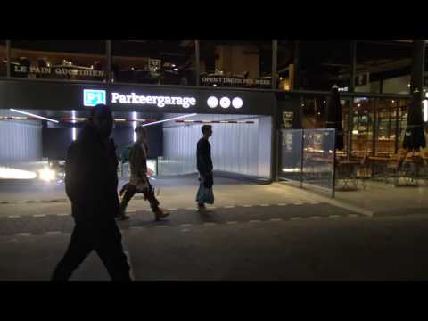 Justin Bieber & Martin Garrix shoppen in de Albert Heijn