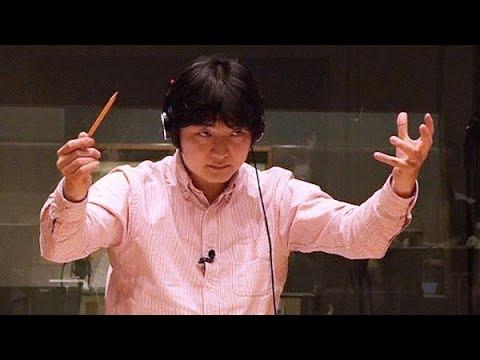 山田和樹 マーラーの次は国歌を全曲指揮へ