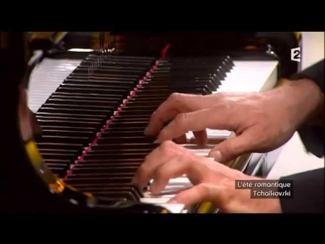 Dimitri Naïditch interprète Tchaikovsky en Jazz chez Jean-François Zygel