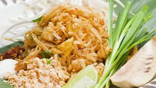 Chicken Pad Thai with Fern Kaewtathip and Noree Pla | Like A Chef