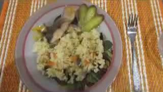 Пропаренный рис с овощами.