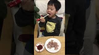 어린이 먹방 삭힌 홍어 먹는 맛을 아는 6세