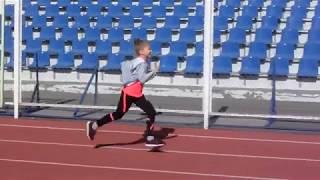 Соревнования по бегу на Центральном стадионе. 60 и 300 метров.