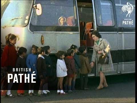 School Bus Ealing (1972)