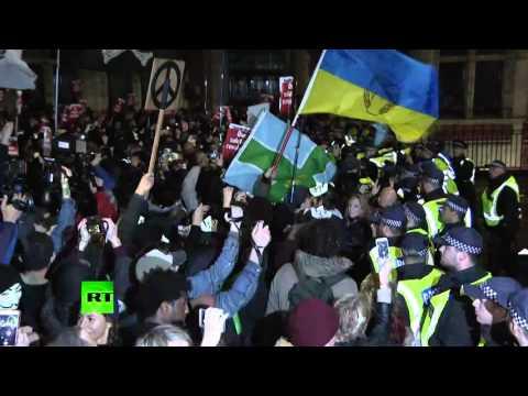 Анонимы в масках устроили беспорядки в Лондоне