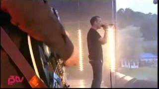 The Jesus and Mary Chain - Happy when it rains with lyrics