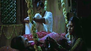 Ajay Devgn puts Kareena to test   Omkara