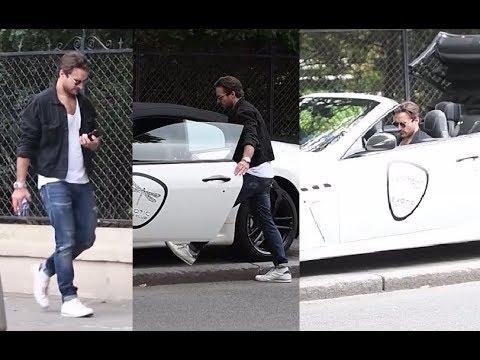 """Wystylizowany Stramowski wsiada do Maserati cabrio. Wraca do stylu """"macho""""?"""