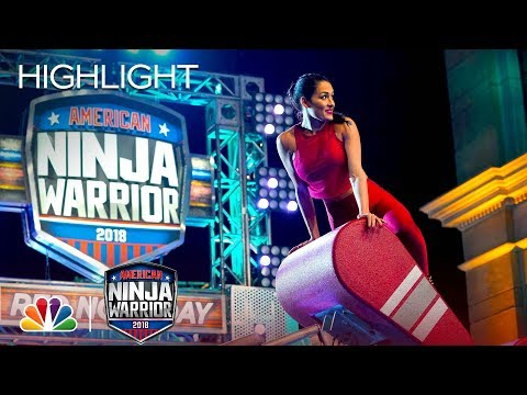 Nikki Bella's Ninja Warrior Run for Red Nose Day - American Ninja Warrior 2018