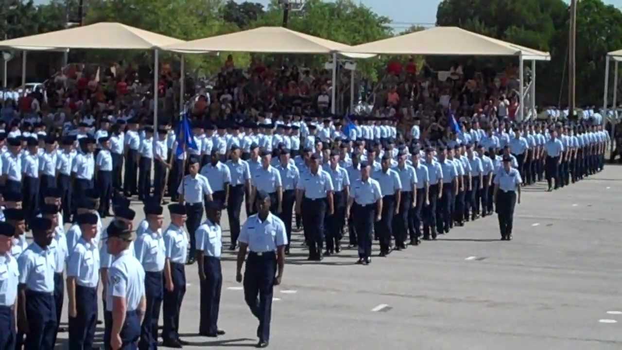 U S Air Force Basic Military Training Bmt Graduation